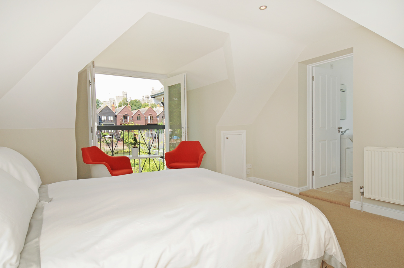 Annexe Bedroom with views of the castle