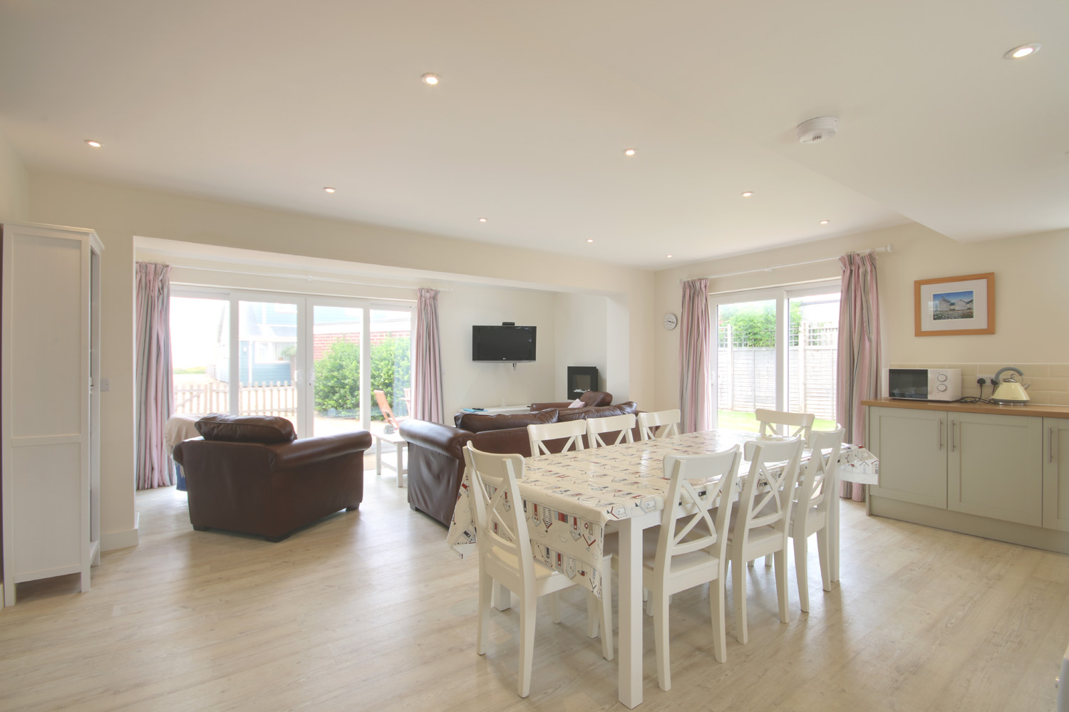 Holiday lettings east wittering tofts baileys estate agent full size malvernweather Gallery