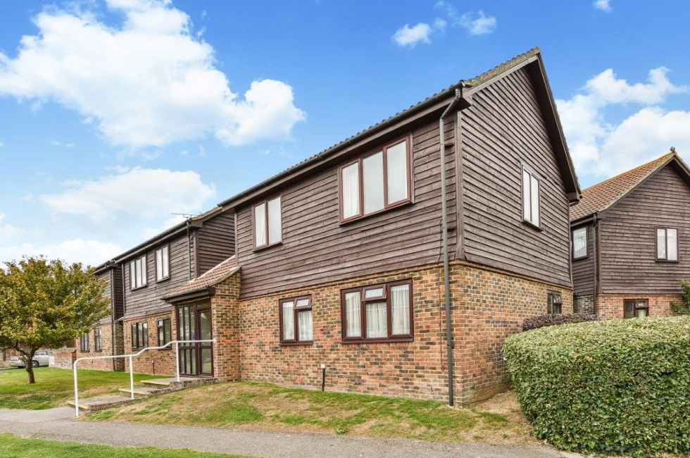 c93793beb Property for Sale, East Wittering: 11 Green Court, Cakeham Road ...
