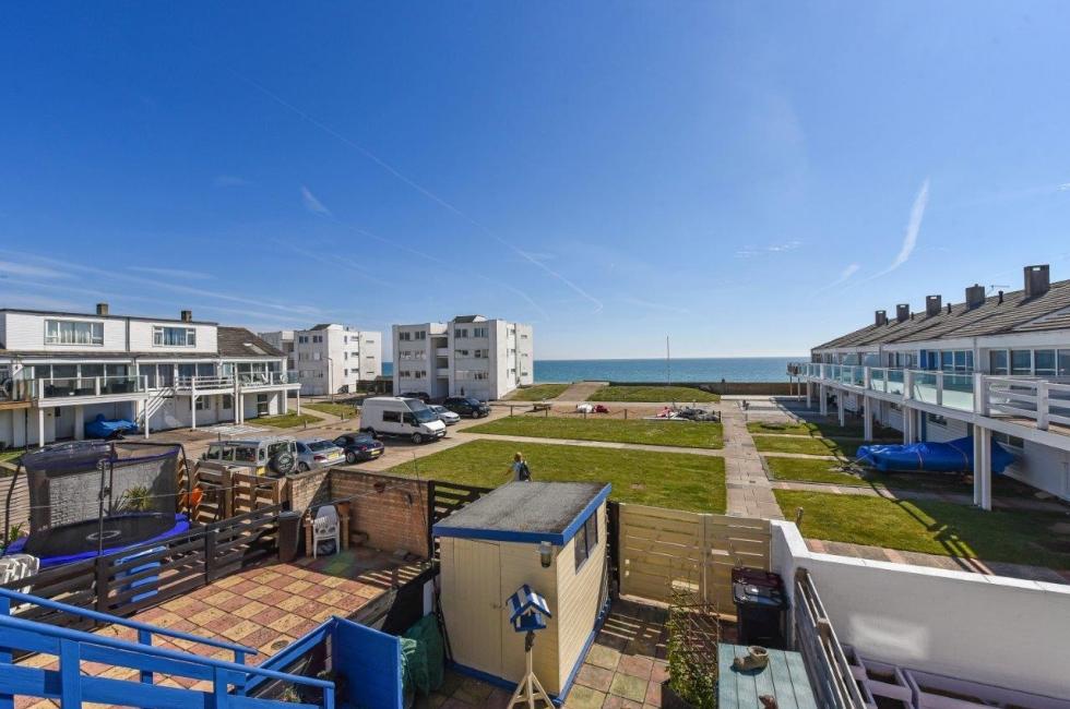 Property For Sale Bracklesham Bay 87 Marineside