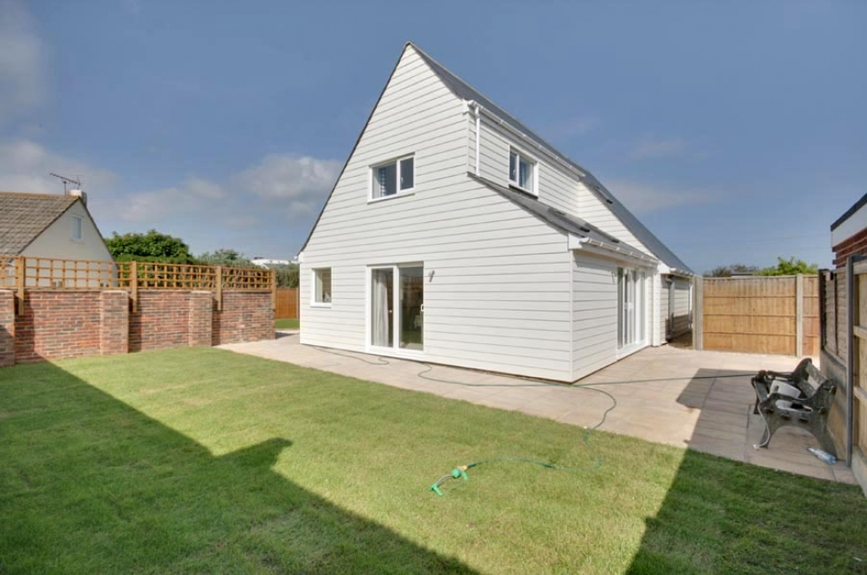 Holiday lettings east wittering tofts baileys estate agent tofts east wittering malvernweather Gallery